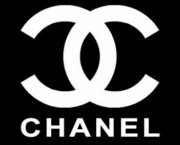 depois-de-chanel-lagerfeld-criou-a-propria-marca-6