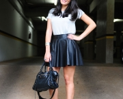 blog-da-mariah-look-do-dia-saia-couro-camiseta-fethie-6